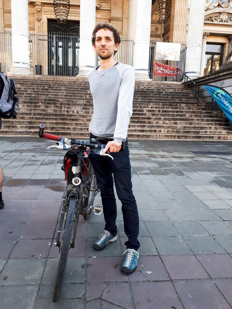 Wim Borremans kwam als eerste over de finish aan de Brusselse Beurs met zijn fiets.