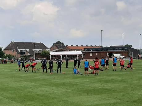 GA Eagles zwaait Schotse proefspeler uit, Michaelis en Pouwels blijven nog even
