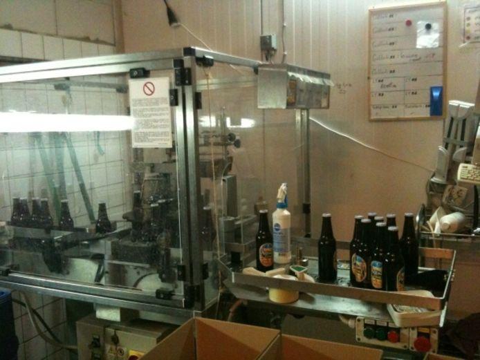 De flessenmachine van de brouwerij. Foto Joris Roes / BD
