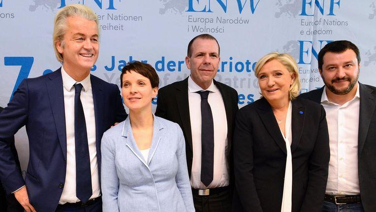 Geert Wilders (PVV), de Duitse Frauke Petry (AfD), de Oostenrijker Harald Vilimsky (FPÖ), de leider van het Franse Front National Marine Le Pen en Italiaanse partijleider van Lega Nord Matteo Salvini. Beeld afp
