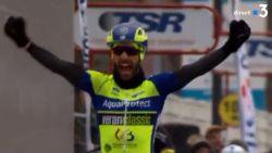 Kenny Dehaes sprint op meersterlijke wijze naar de zege in ingekorte GP Denain