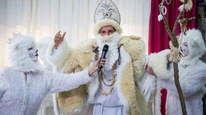 Vervangt Winterklaas straks Sinterklaas? 'De Luizenmoeder' test het uit