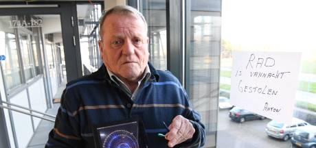 Bestolen K'NEX-opa Anton krijgt volop steun, Daan (29) start crowdfunding: 'Zo zielig, ik wil hem helpen'
