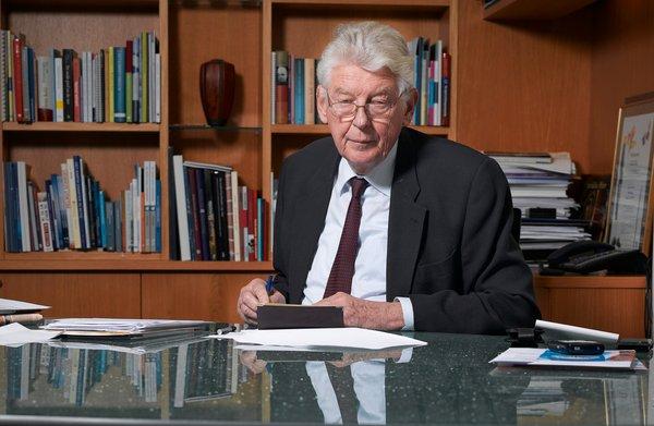 Wim Kok in 2007: 'Het kan best zijn dat er behoefte is aan mijn uitspraken, ik heb daar minder behoefte aan'
