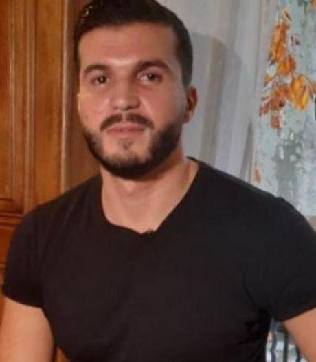 Il pourchasse l'assaillant présumé de l'attaque à Paris et se retrouve suspecté d'être son complice