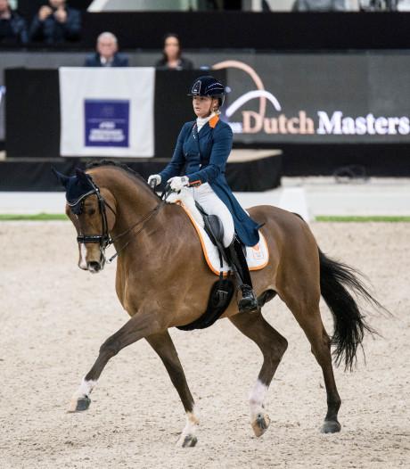 Meulendijks wint met Nederlands dressuurteam in Geesteren