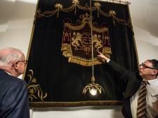 Lochemse synagoge krijgt zijn 'voorhang' terug