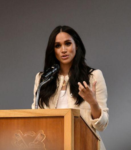 Meghan vraagt om uitstel van zaak tegen Britse tabloids
