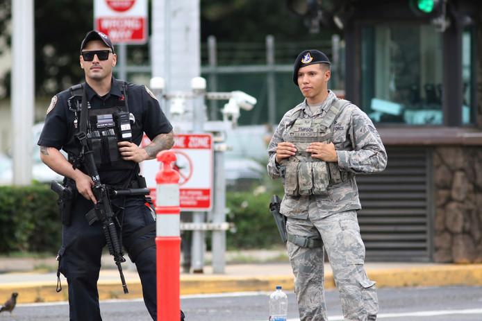Extra beveiliging bij de marinebasis na de schietpartij.
