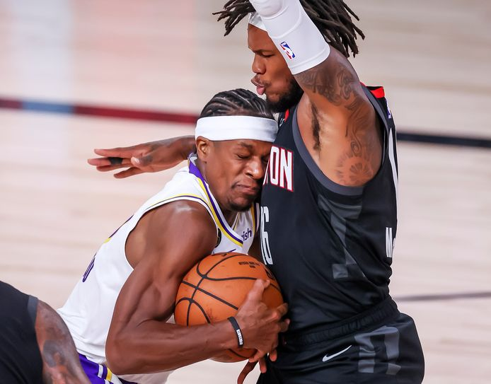 Rajon Rondo (links) van de Lakers stuit op Ben McLemore van de Houston Rockets.