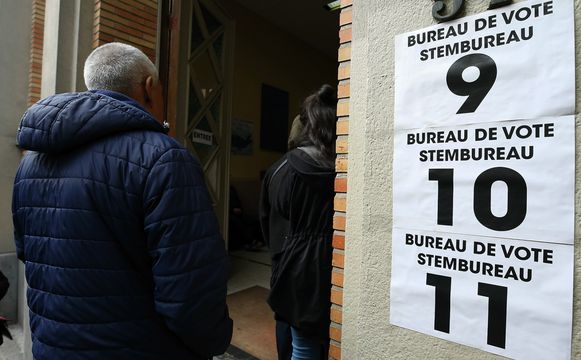 Kiezers in de wachtrij voor de verkiezingen van 26 mei. Binnenkort opnieuw?