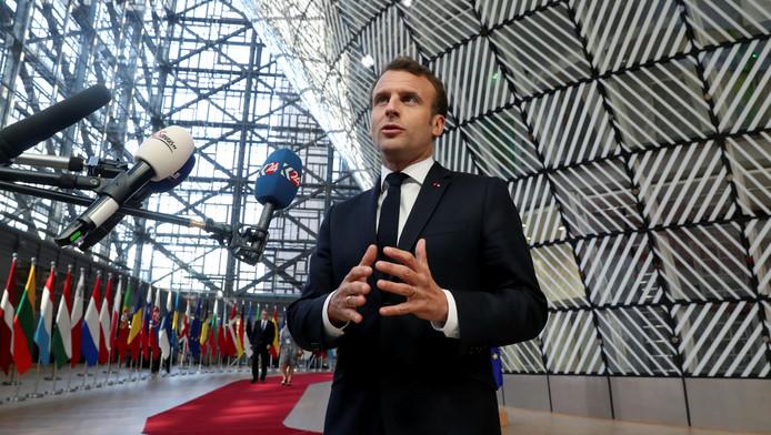 Le président français Emmanuel Macron à son arrivée au siège du Conseil européen à Bruxelles, le 10 avril 2019.