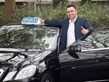 Taxichauffeurs openen klopjacht op taxitikker