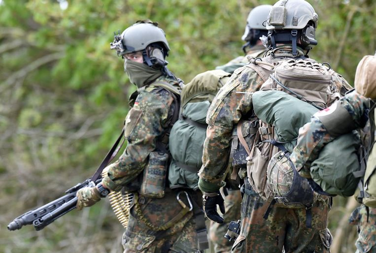 Leden van de Duitse elite-eenheid Kommando Spezialkräfte (KSK) tijdens een militaire oefening. Beeld AFP