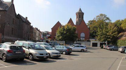 Parking achter stadhuis tijdelijk onbereikbaar