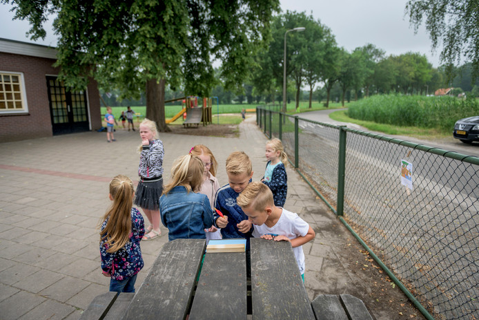 Op basisschool Wiene krijgen kinderen ook buiten les.