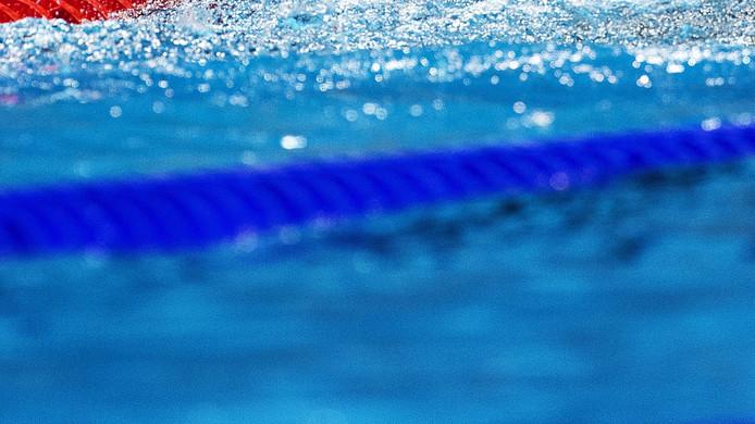 Zwembad uden kan niet zonder steun gemeente uden for Zwembad uden