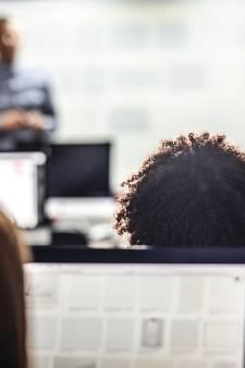"""Des écoles imposent l'achat d'ordinateurs: """"Un vrai matraquage"""""""