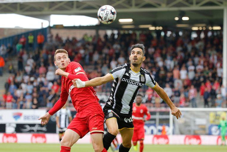 Coopman (Antwerp) versus Marinos (Charleroi).