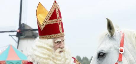 De échte Sinterklaas liep deze zomer stiekem in Lienden rond: 'Ik kom hier graag, maar niet op deze camping'
