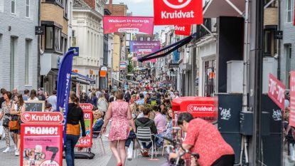 """Kortrijk zet alles op alles om terug volk naar de stad te lokken: """"30 influencers om onze stad te promoten"""""""