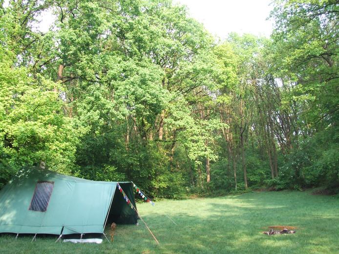 Een kampeerveldje op Landgoed Grubbestein.