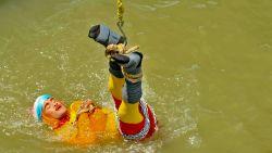 Indiase 'Houdini' verdwijnt in rivier voor goocheltruc, maar hij komt niet meer boven