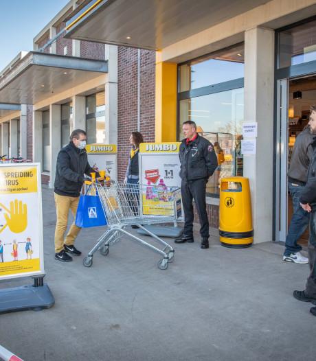 Hoe risicovol is een bezoekje aan de supermarkt? Viroloog: 'Niet te paniekerig doen'