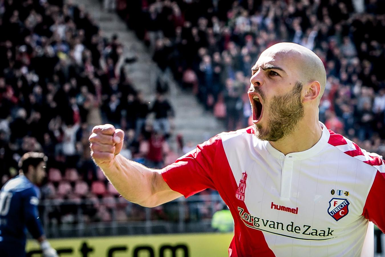 Ruud Boymans viert een goal voor FC Utrecht.