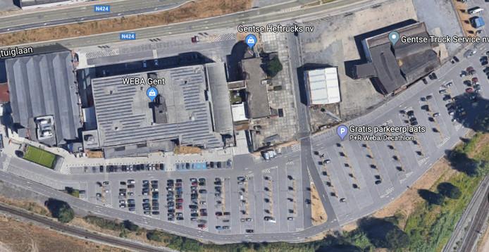 De Weba-Site, met helemaal links Decathlon, daarnaast Weba, en rechts het terrein dat nu is aangekocht