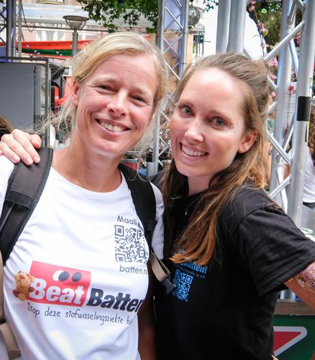 Maaike collecteert digitaal met QR-code op T-shirt