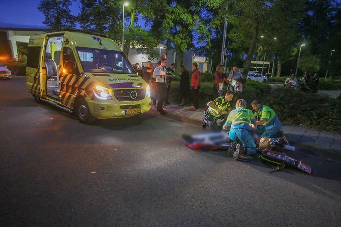 Een jongen op de fiets raakte ernstig gewond bij een aanrijding bij de McDonald's in Helmond.