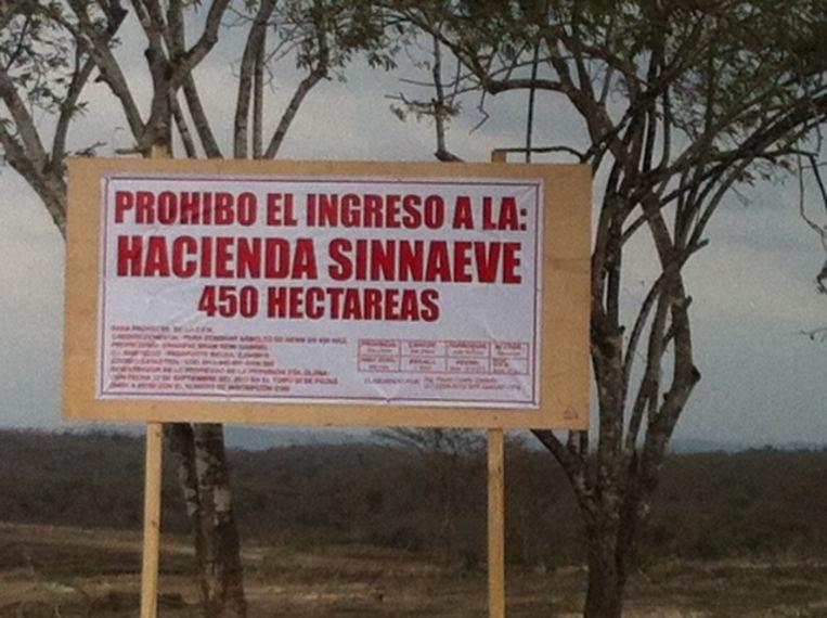 Het bord bij de 450 hectare land die Bram Sinnaeve in 2013 kocht.