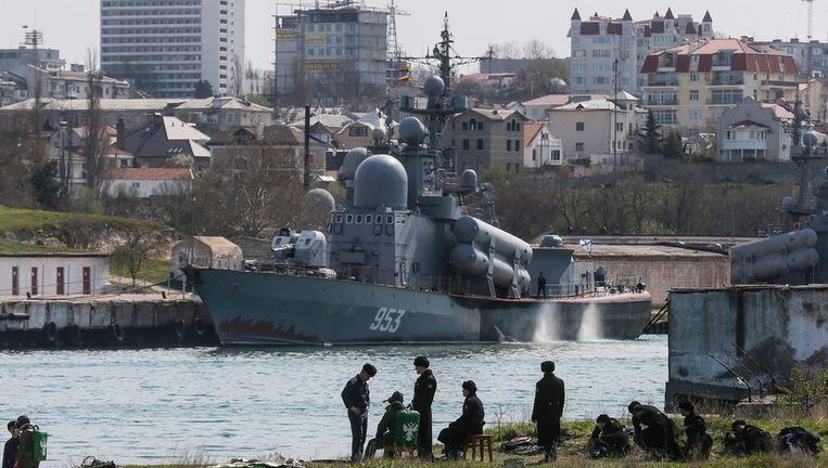 Een duiktraining van Russische soldaten op de Krim vandaag. Beeld epa