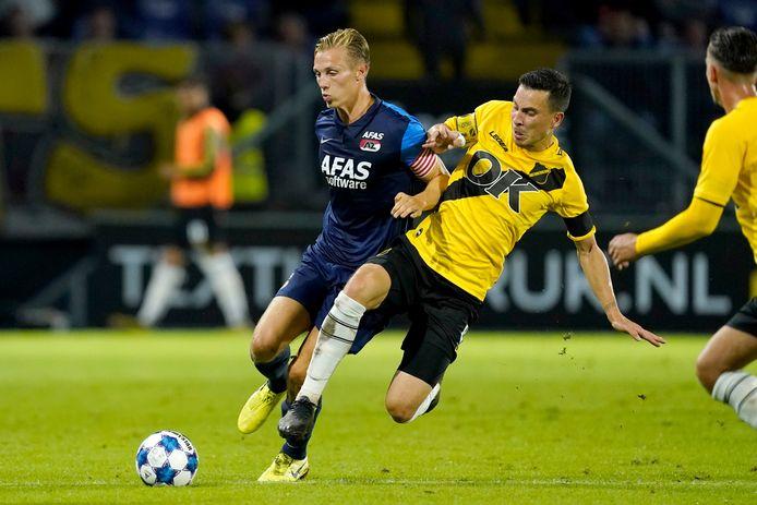 Thom Haye in actie tegen Jong AZ (6-1 overwinning).
