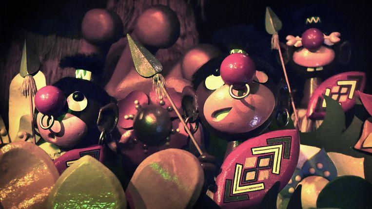Een impressie van de oude Afrika-scène in de Efteling-attractie Carnaval Festival.  Beeld  Marcel van den Bergh
