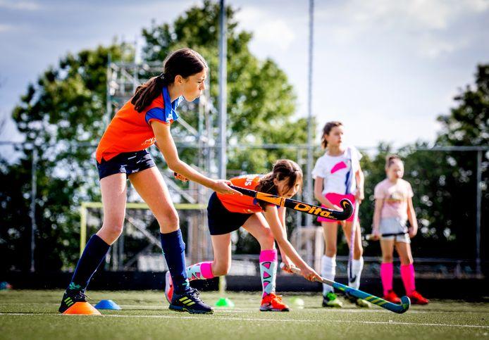 Hockeyclub 'Hoeksche Waard' is weer begonnen met trainen.