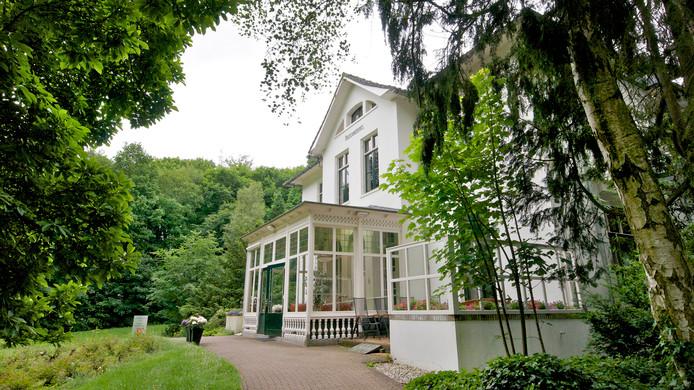 Het voormalig jachthuis waarin de hospice van het Leger des Heils is gevestigd .