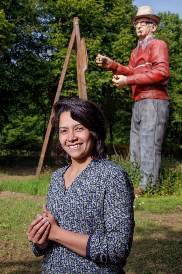 De Colombiaanse kunstenares Juliana Rios treedt drie maanden lang in de voetsporen van Andreas Schotel.