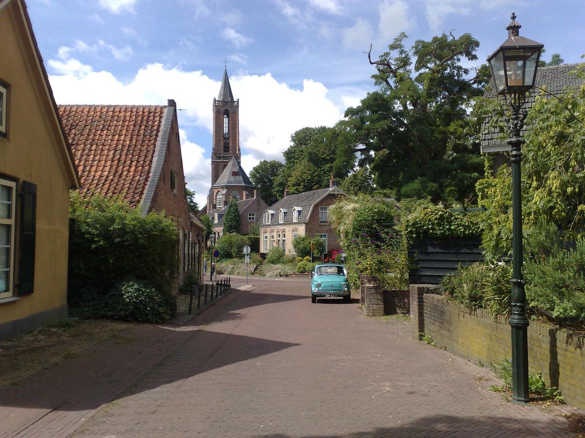 De Andrieskerk in Amerongen gezien vanaf de Zandvoort.