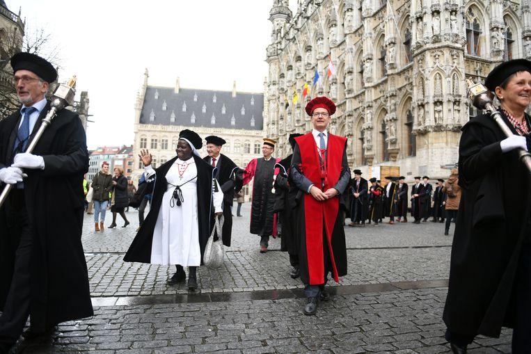 De KU Leuven bekroont jaarlijks personen met bijzondere verdiensten. In 2019 worden er zes eredoctoraten gegeven aan de Leuvense universiteit.