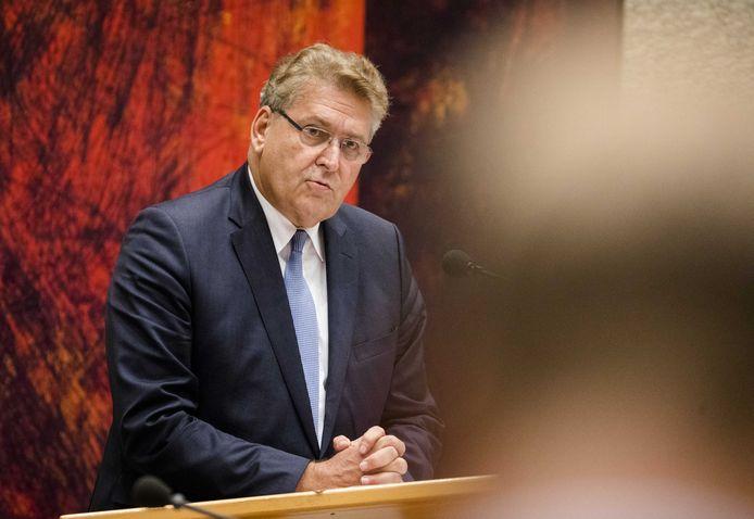 Henk Krol (50Plus) tijdens de Algemene Politieke Beschouwingen.