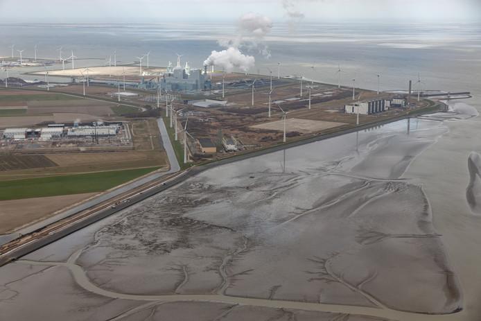 Eemshaven vanuit de lucht, foto ter illustratie
