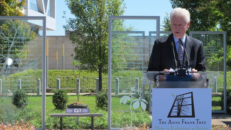 Clinton zette het verhaal van Anne Frank en de Jodenvervolging af tegen de donkere geschiedenis van zijn staat Arkansas Beeld David Hammelburg
