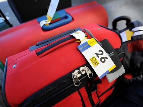 Politie zoekt verdachte, vindt hem in reiskoffer