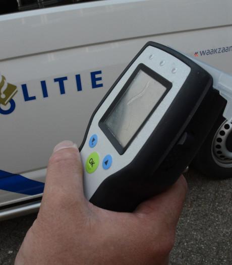 Snorfietser drinkt te veel en kan rijbewijs inleveren in Roosendaal