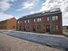 Kritiek op architectuur in Dronten laait op: 'We worden verdrietig van deze huizen'