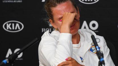"""Tweevoudig winnares barst in tranen uit na vroege exit op Australian Open: """"Weinig mensen weten hoe moeilijk het was om finale 2013 aan te vatten"""""""