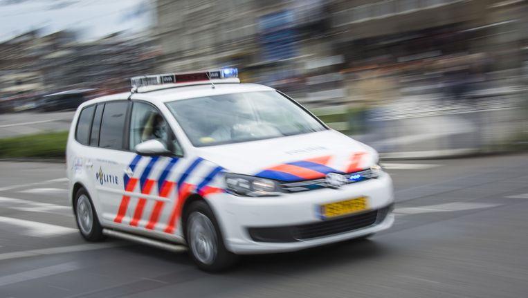 Politiemensen zetten om 11:59 uur in het hele land een minuut lang hun sirenes aan. Beeld anp