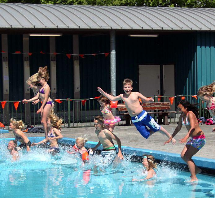 Het Zwembad Pernis in 2015.